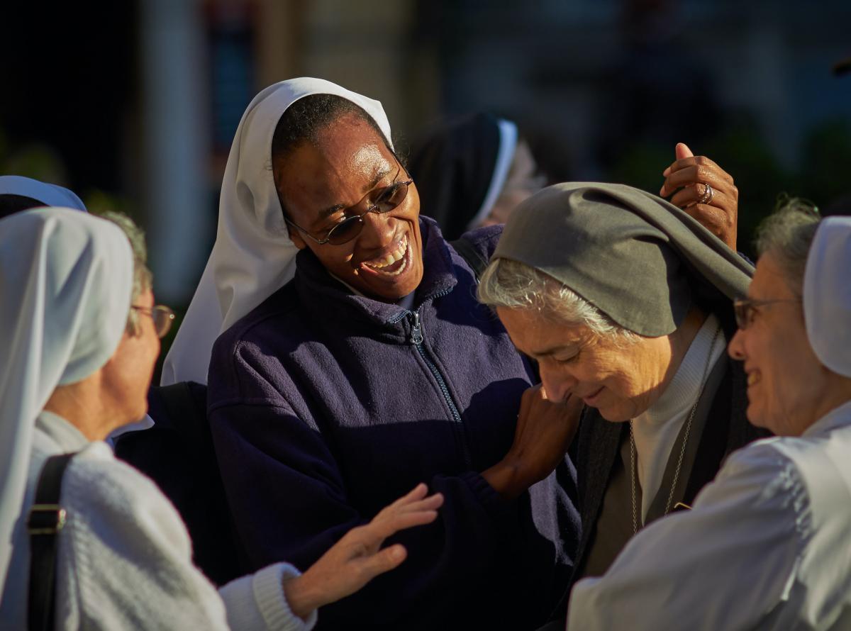 Smart sisters suore innovazione avanguardia - Osservatorio Permanente sui Beni Ecclesiastici